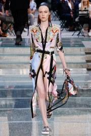 Versace Spring 2018 Menswear Look 34