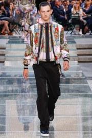 Versace Spring 2018 Menswear Look 36