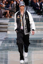 Versace Spring 2018 Menswear Look 37