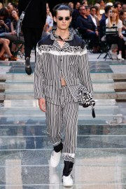 Versace Spring 2018 Menswear Look 41