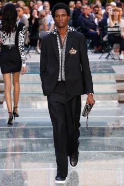 Versace Spring 2018 Menswear Look 44
