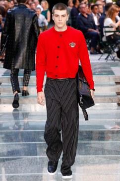 Versace Spring 2018 Menswear Look 5