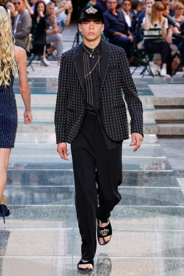 Versace Spring 2018 Menswear Look 50
