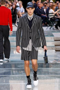 Versace Spring 2018 Menswear Look 6