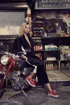 Cara Delevingne PUMA Fall 2017 Basket Heart Sneaker Campaign-2