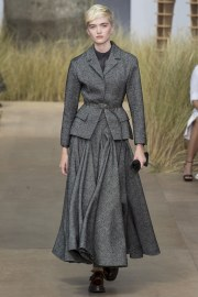 Christian Dior Fall 2017 Couture Look 1