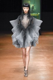 Iris van Herpen Fall 2017 Couture Look 10