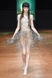 Iris van Herpen Fall 2017 Couture Look 17