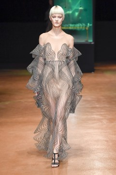 Iris van Herpen Fall 2017 Couture Look 7