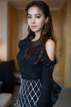 Jolin Tsai in David Koma Spring 2017-1