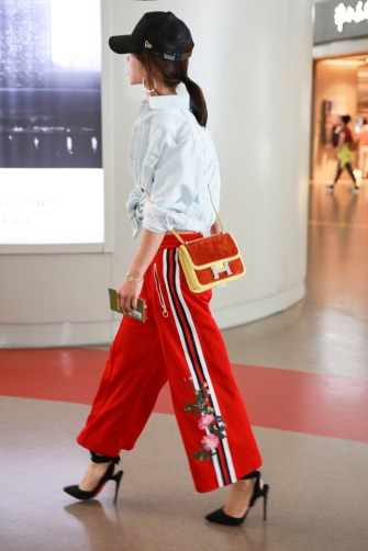 Jolin Tsai in Gucci Pre-Fall 2017 & Off-White-5