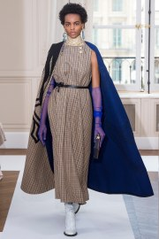 Schiaparelli Fall 2017 Couture Look 16