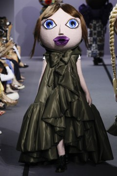 Viktor & Rolf Fall 2017 Couture Look 19