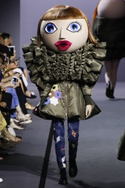 Viktor & Rolf Fall 2017 Couture Look 3
