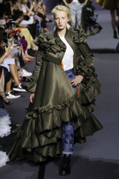 Viktor & Rolf Fall 2017 Couture Look 31