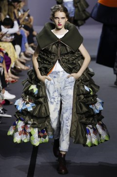 Viktor & Rolf Fall 2017 Couture Look 32