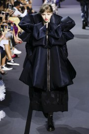 Viktor & Rolf Fall 2017 Couture Look 36