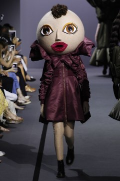 Viktor & Rolf Fall 2017 Couture Look 6