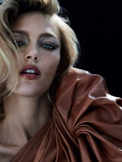 Anja Rubik Vogue Paris September 2017-1