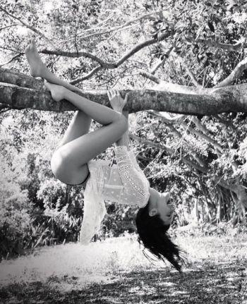 Bella Hadid & Jordan Barrett Vogue Australia September 2017-1