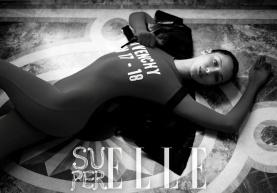 Bella Hadid Super ELLE China Fall 2017-5
