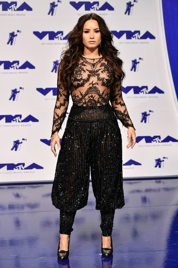 Demi Lovato in Zuhair Murad Fall 2016 Couture-1