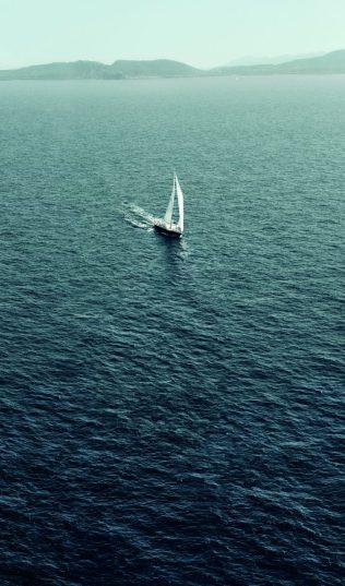 Eddie Redmayne Alessandra Ambrosio OMEGA Watches Seamaster Aqua Terra Campaign-5