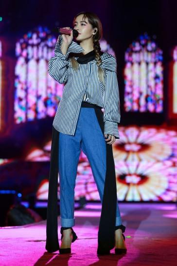 Jolin Tsai in Hellessy Fall 2017