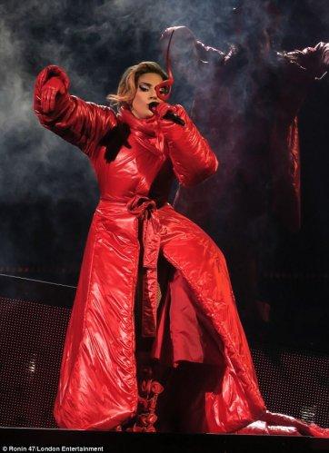 Lady Gaga in Norma Kamali-1