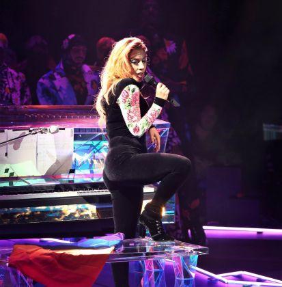Lady Gaga in Viktor&Rolf-4
