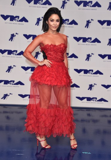Vanessa Hudgens in Yanina Fall 2016 Couture-2