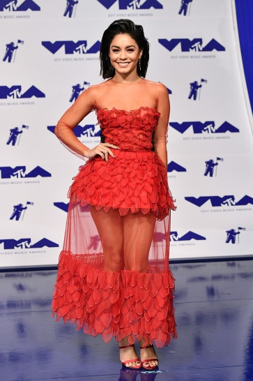 Vanessa Hudgens in Yanina Fall 2016 Couture