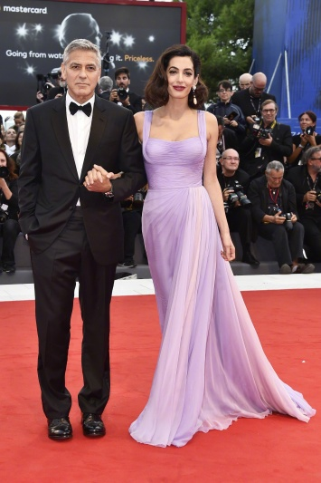 Amal Clooney in Atelier Versace with George Clooney-1