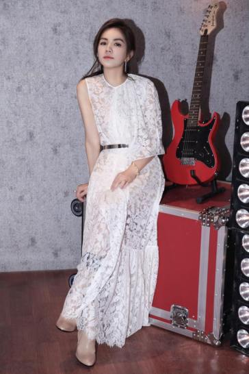 Ella Chen in Stella McCartney Pre-Fall 2017