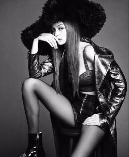 Gigi Hadid Vogue Japan November 2017-7