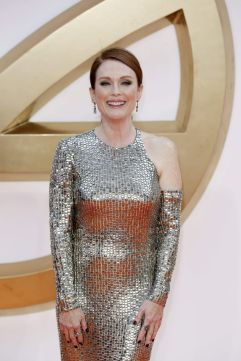 Julianne Moore in Tom Ford-1