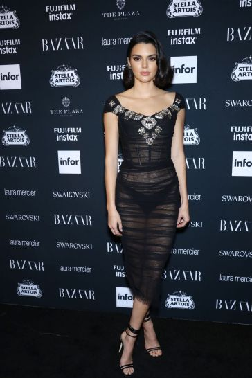 Kendall Jenner in Dolce & Gabbana-2
