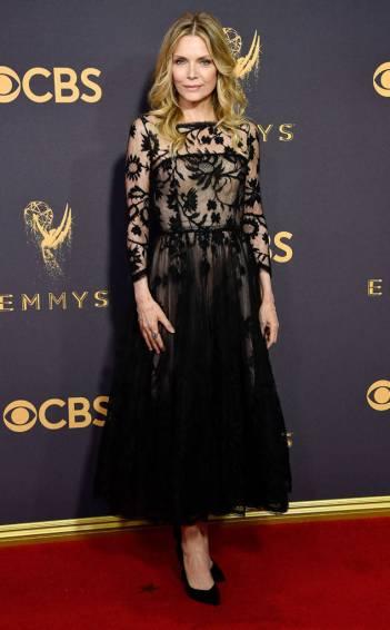 Michelle Pfeiffer in Oscar de la Renta