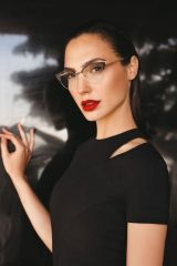 Gal Gadot Erroca Eyewear Cool Ray Collection 2017 Campaign-1