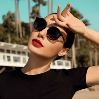 Gal Gadot Erroca Eyewear Cool Ray Collection 2017 Campaign-3