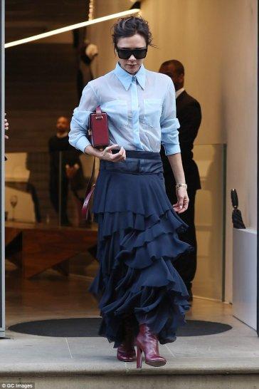 Victoria Beckham in Victoria Beckham Fall 2017-1