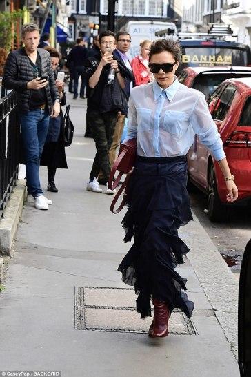 Victoria Beckham in Victoria Beckham Fall 2017-4
