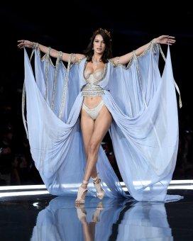 2017 Victoria's Secret Fashion Show-Goddesses-07