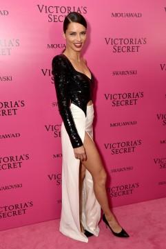 Adriana Lima in Mugler Resort 2018-3