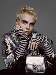 Cara Delevingne Burberry 2017 Holiday Campaign-1