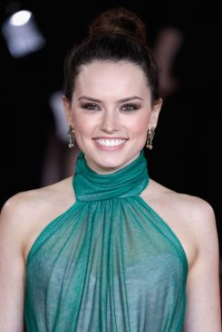 Daisy Ridley in Vivienne Westwood-3