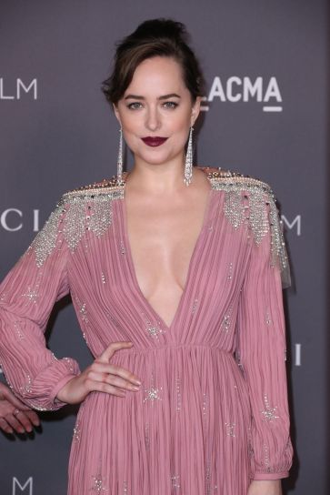 Dakota Johnson in Gucci Spring 2018-3