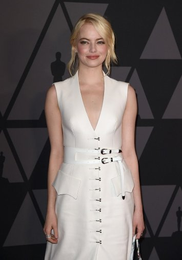 Emma Stone In Louis Vuitton Spring 2018-1