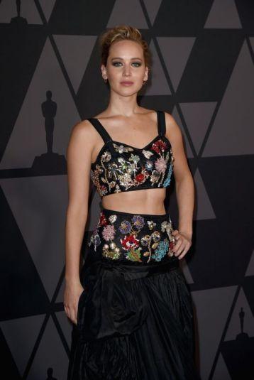 Jennifer Lawrence in Alexander McQueen Resort 2018-1