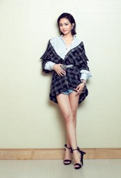Jolin Tsai in Chanel Fall 2017